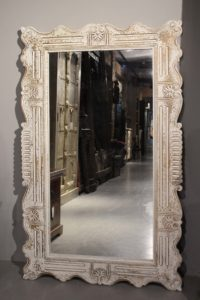 big-mirror-orient-in-white-color