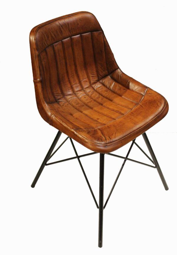 krzesło loftowe skózane z metalowymi nogami