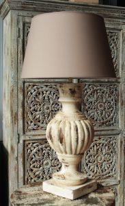LAMPA-STOŁOWA-DREWNIANA-PRZECIERANA-KLASYCZNA