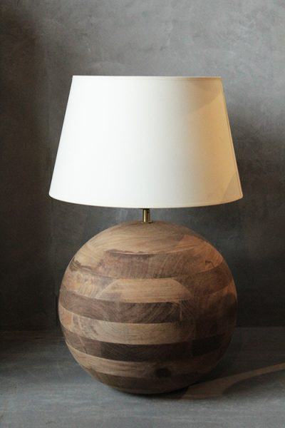 LAMPA-STOŁOWA-DREWNIANA-KULA
