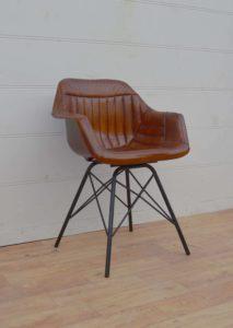 Fotel loftowy skórzany pikowany