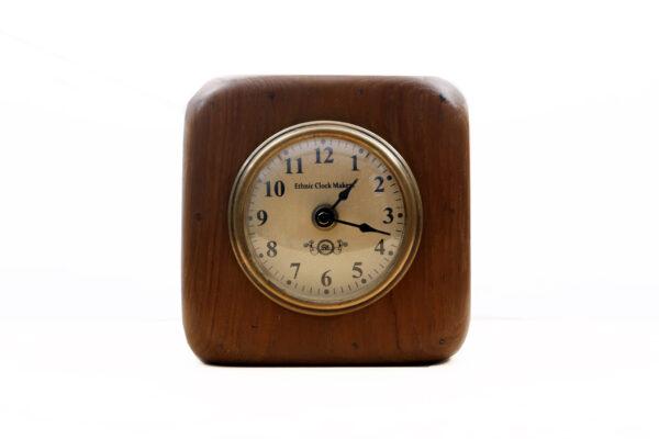 Zegar drewniany stojący
