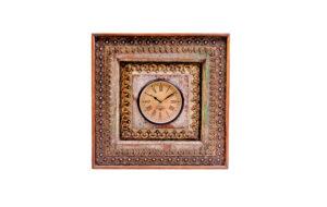 Zegar drewniany zdobiony