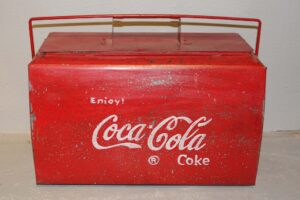KUFER-METALOWY-COCA-COLA (2)