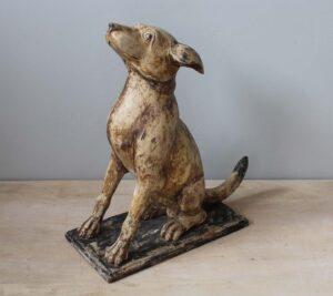 rzeźba-drewniana-pies