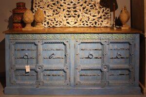 komoda-drewniana-rzeźbiona-blue