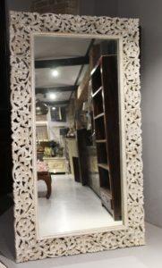 lustro-drewniane-białe