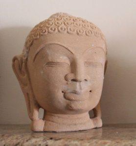 rzeźba-kamienna-głowa-kobiety