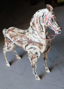 koń-dekoracja z metalu-duży