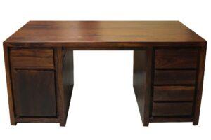 biurko-drewniane-w-prostej formie-