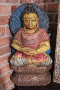 buddha-figurka z niebieskim