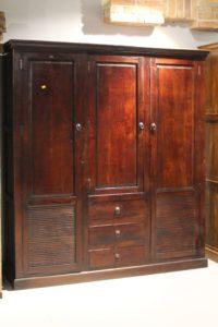 szafa-drewniana-duża-do sypialni