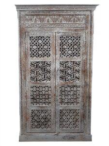 szafa-orientalna-półki i wieszak