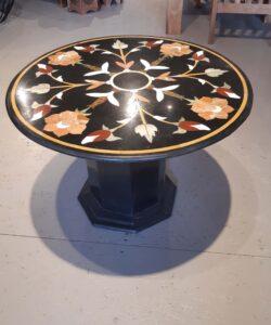 stolik-okrągły-z-marmuru