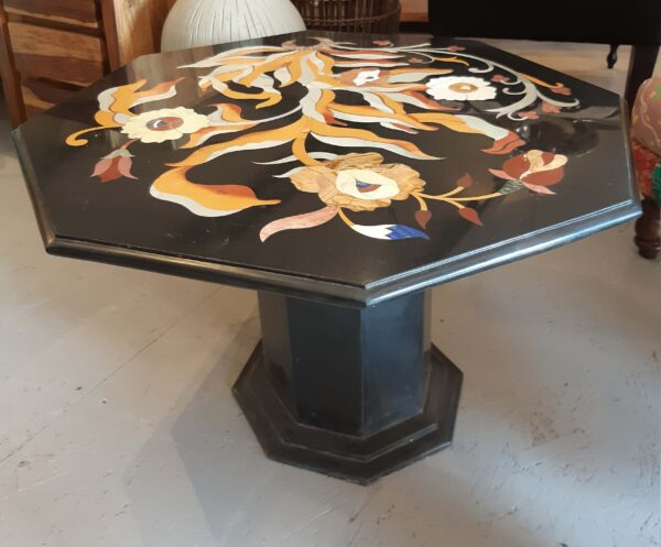 stolik-z-marmuru